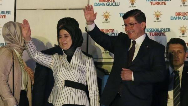 '1 Kasım gecesi AKP'de tabaklar fırlatıldı, avizeler kırıldı'