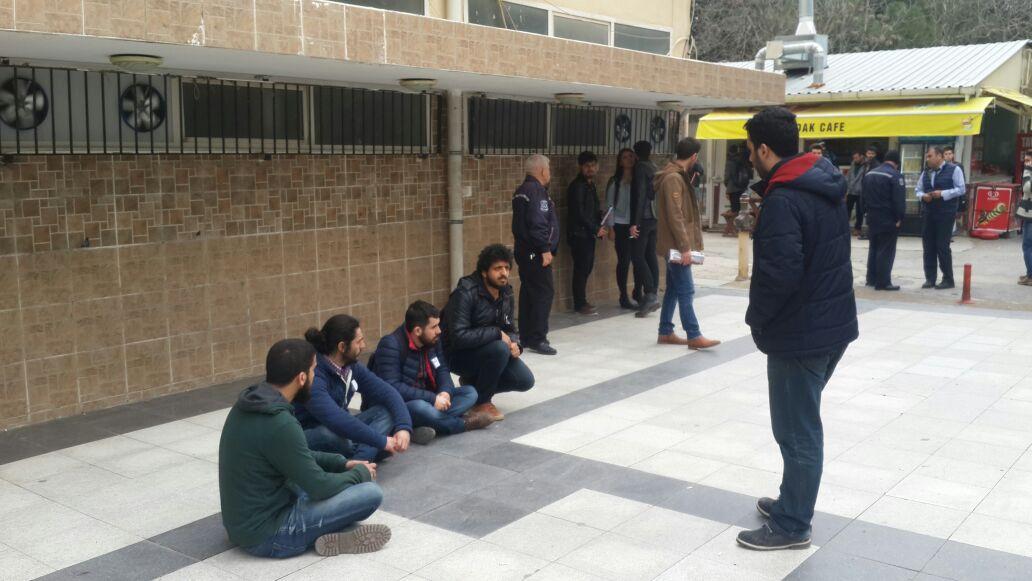 'Ankara katliamı protestosuna katılan öğrenciye sivil polis silah çekti' iddiası!