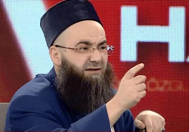 'Cübbeli Ahmet Hoca' hastaneye kaldırıldı