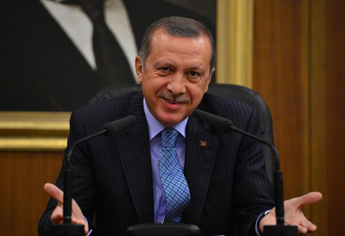 'Cumhurbaşkanına hakaret' davaları yetmedi: Bu kez 'Başbakan Erdoğan'a hakaret cezası