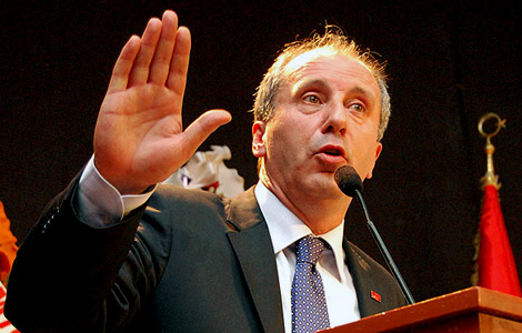 'Hey Davutoğlu sen daha genel başkan bile olamadın'