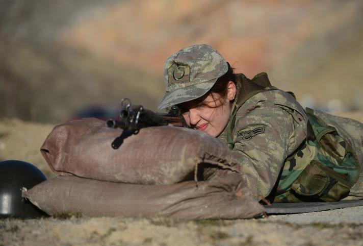 'Kadınlara gönüllü askerlik' geliyor