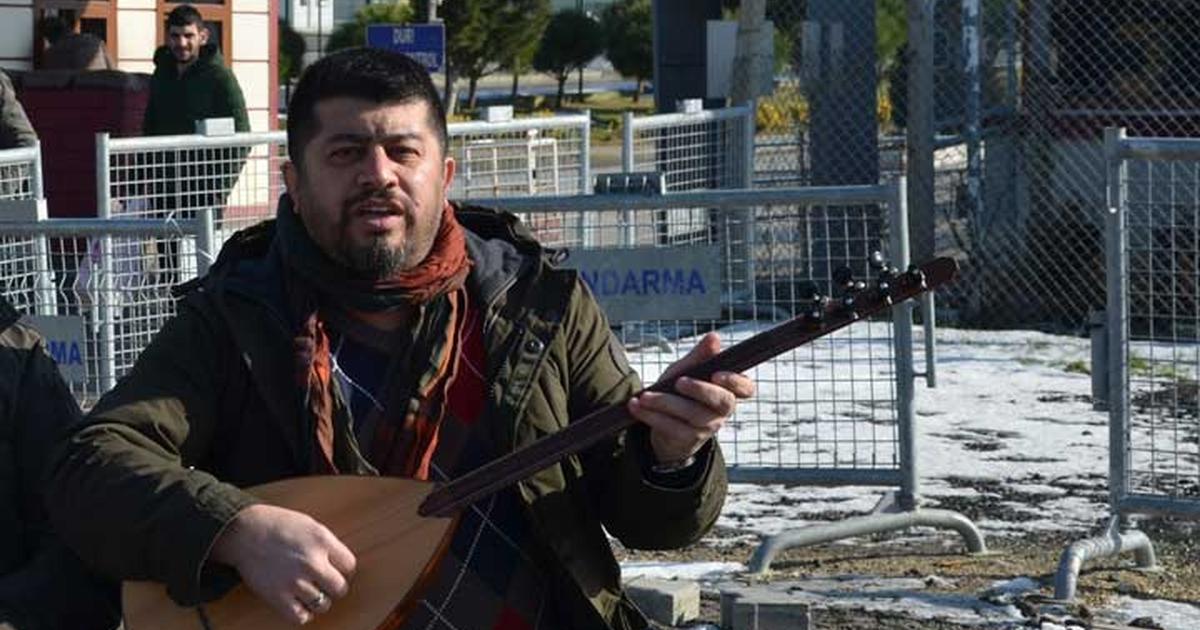 'Satın Eşek Sıpaları' diyen halk müziği sanatçısı Kutsal Evcimen'e 'Erdoğan'a hakaret'ten hapis cezası