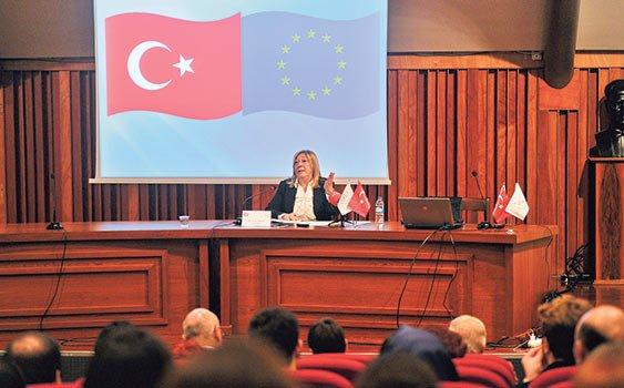 'Türkiye ifade özgürlüğünde 300'ün üzerinde dava ile AİHM'de birinci'