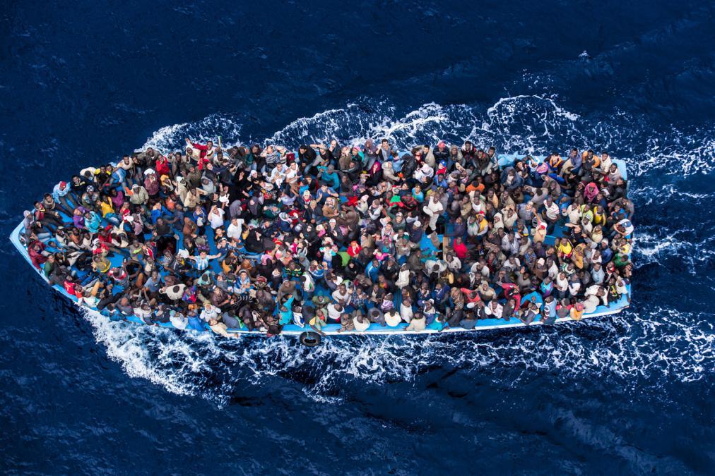 'Yabancı gazeteciler sığınmacılara boğulmuş taklidi yapmaları için para veriyor'