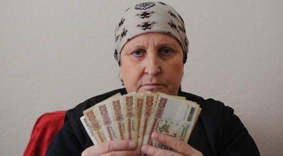 100 binlikler psikolojisini bozdu... Para gördü mü titriyor