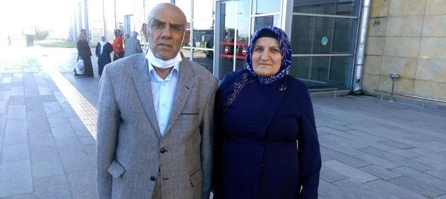 11 çocuk annesi 37 yıllık eşine böbreğini verdi