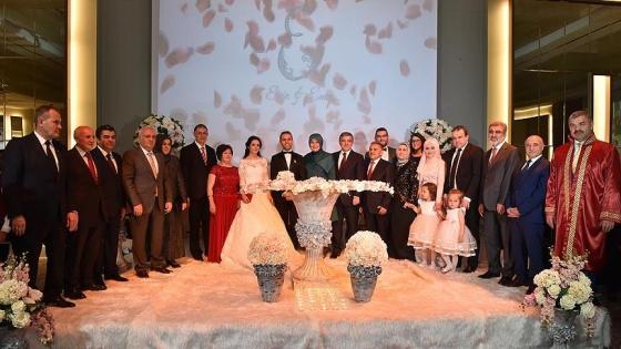 11. Cumhurbaşkanı Gül ile Ekonomi Bakanı Elitaş nikah şahidi oldu