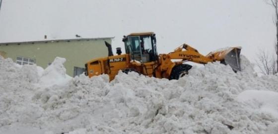 115 köy yolu ulaşıma kapandı