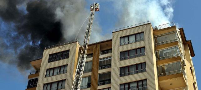 13 katlı binada korkutan yangın