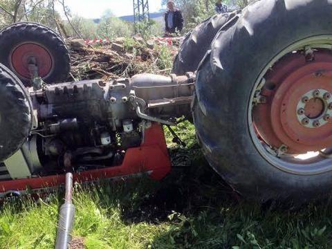 13 yaşındaki çocuk kullandığı traktörün altında kalıp yaşamını yitirdi