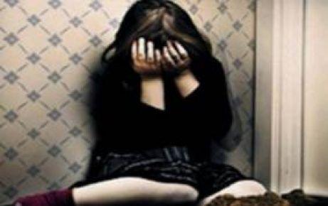 14 yaşındaki kızı eve kapatıp...