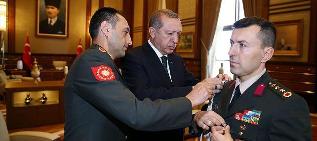 15 Temmuz'dan 16 gün önce: Erdoğan çakıyı uzatıp 'aç' dedi, panikledi