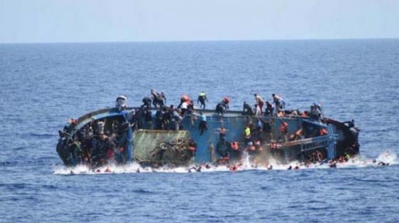 150 turistin olduğu tekne battı