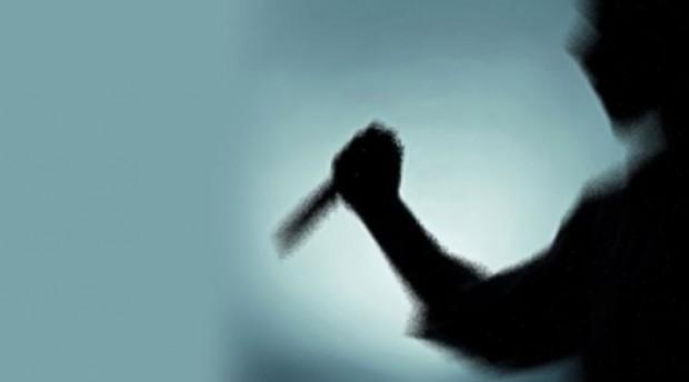 16 yaşındaki kızını, erkek arkadaşı var diye bıçakladı!
