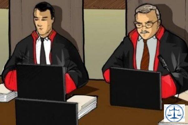 862 Avukata Plaket Verilecek