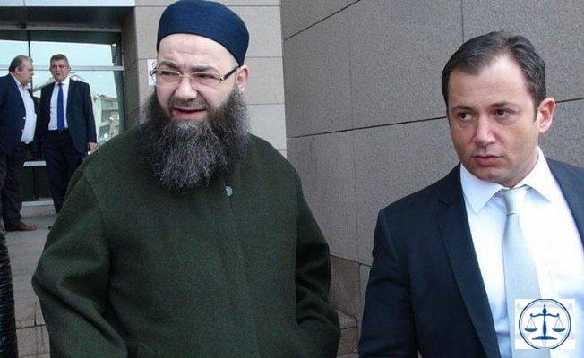 Cübbeli'nin avukatı FETÖ'den aranıyor...