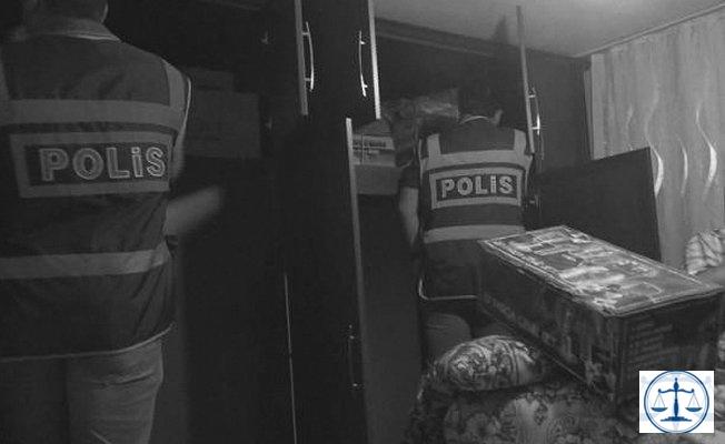 Polisin ev baskını esnasında yaptığı hırsızlık polis kamerasında