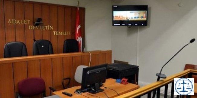 Havaalanında yakalanan eski yargı mensubu çifte dava