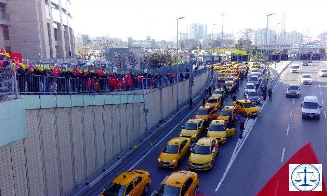 Taksiciler İstanbul Adalet Sarayına Akın Etti