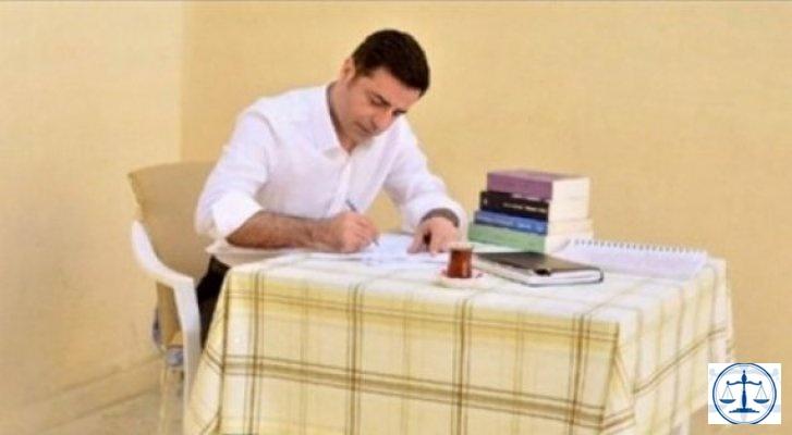 Demirtaş'tan tutukluluğuna ilişkin flaş açıklama