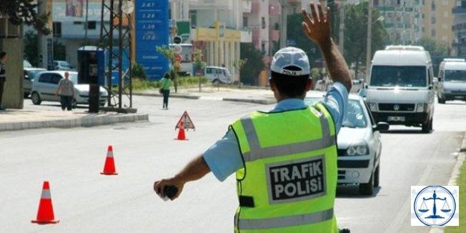Trafikte rüşvet teklif eden sürücü gözaltına alındı