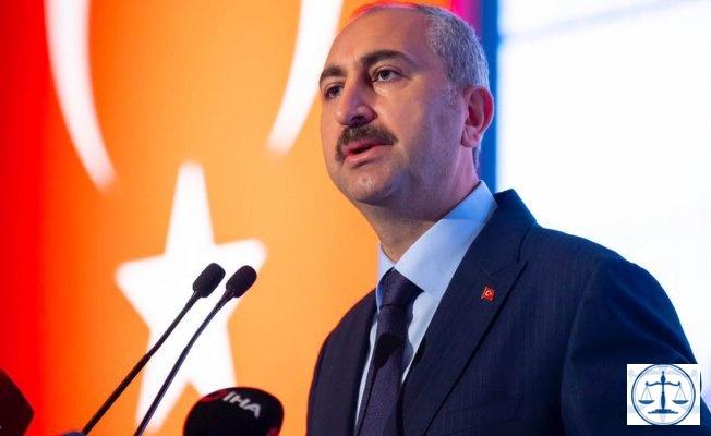 Adalet Bakanı Gül: Hukuk, itibar suikastı, dedikodu ve söylentinin değil; gerçeğin, yalnızca gerçeğin peşindedir