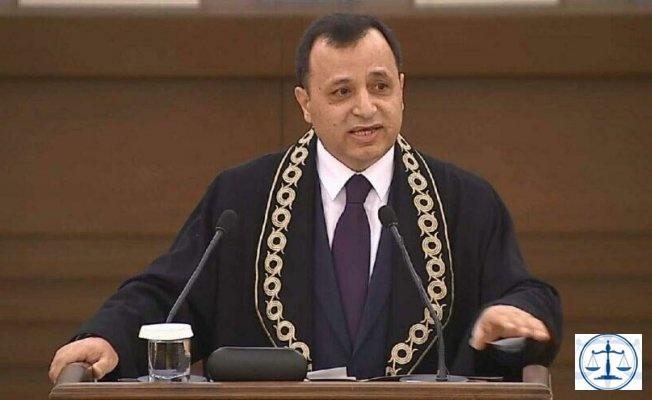 AYM Başkanı'ndan 'hukuk dışı arayış' vurgusu