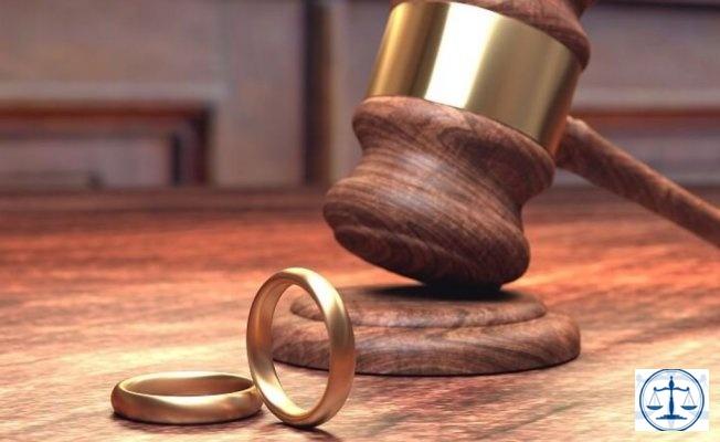 Yargıtay'dan boşanma davasında giyim tarzı kararı