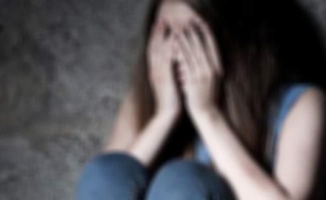 5 erkek eve kapattı! Korkunç gerçek bayılınca ortaya çıktı