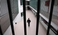 'Koronavirüs cezaevlerinde can alıyor'