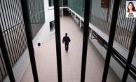 Kayıt dışı görüşme sağlayan savcı ve müdüre beraat