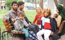 İstanbul Valisi: İstanbul'da Suriyelilere Vatandaşlık Verilmeye Başlandı