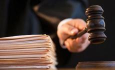 Mahkeme başkanından kumpasçı hakime fırça: Sözcülük mü yapıyorsun sen!